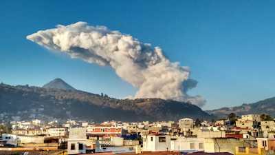 xela-volcano-small